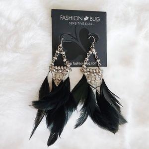 🍁 Fashion Bug NWT Sensitive Ear Feather Earrings